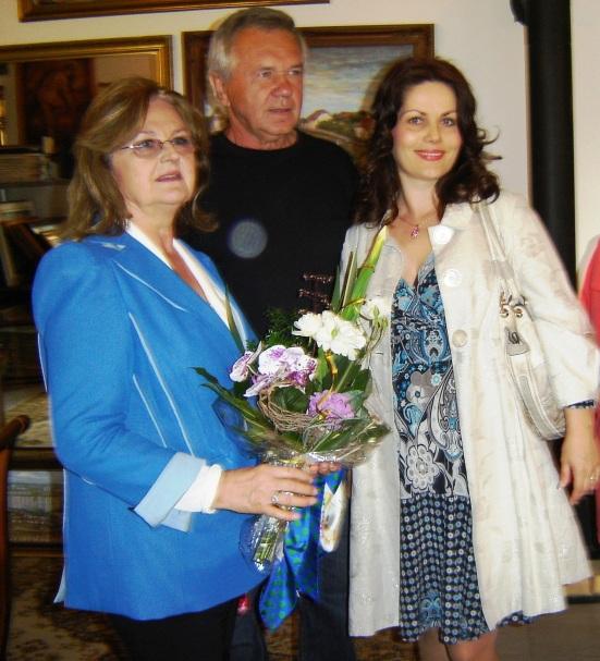 Vzácne stretnutie: Edita Grúberová (vľavo), Jolana Fogašová a Vojtech Polakovič.