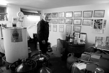 František Krajčírovič je od roku 1980 vinohradník a vinár. Foto: Marcel Rebro