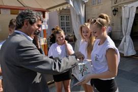 Primátor stihol počas návštevy festivalu prispieť aj na Obecnú záhradu v Rači.