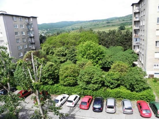 Plánované miesto výstavby polyfunkčného objektu na Hagarovej ulici v Krasňanoch