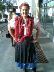 Martina Rovenská (38) v račianskom kroji.