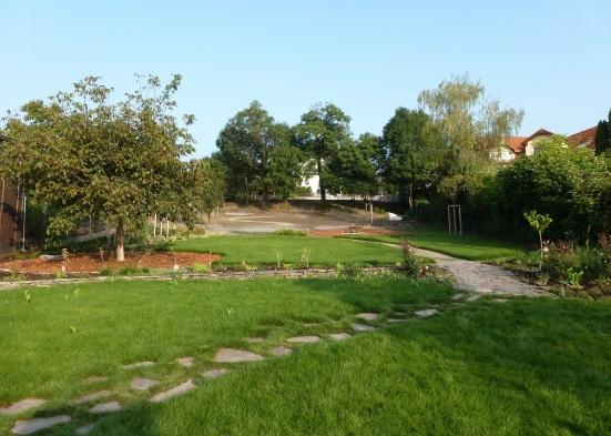 JESEŇ 2014: Obecná záhrada od vstupu