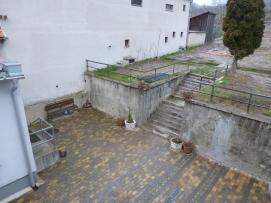 Súčasný stav schodiska v Obecnej záhrade