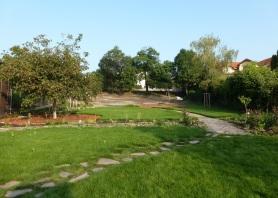 Záhrada dostáva fazónu a očakáva svojich návštevníkov.