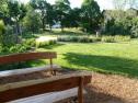 Obecná záhrada po revitalizácii a osadní záhradného mobiliára.